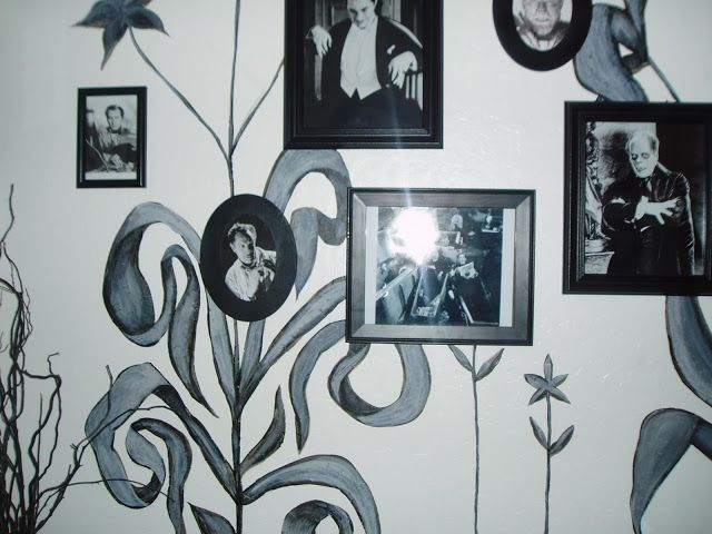 Creepy picture frames