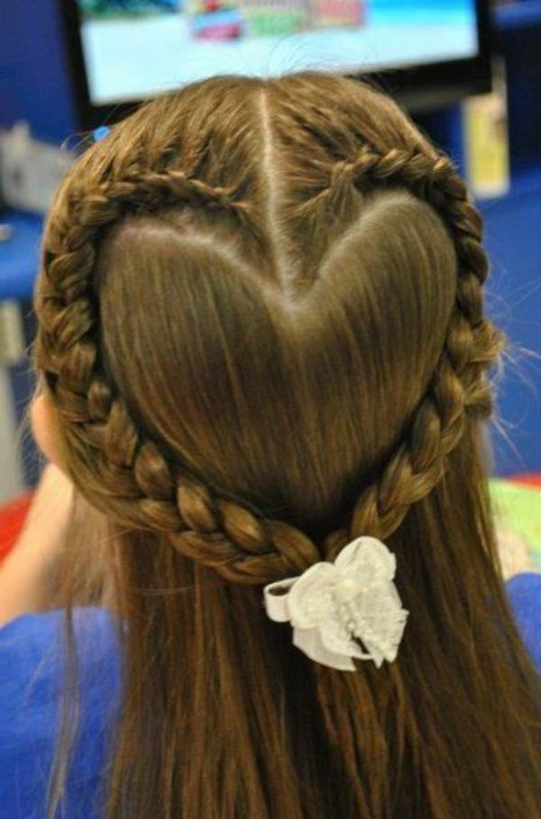 Herz Aus Zöpfen Machen Schöne Frisur Für Kleine Mädchen Frisuren