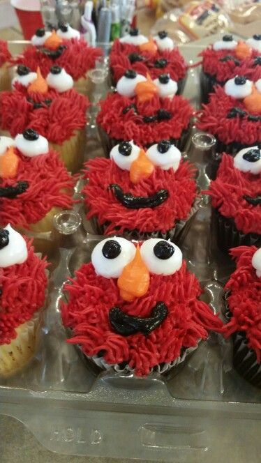Elmo party birthday elmo cupcakes by safeway konnors birthdays