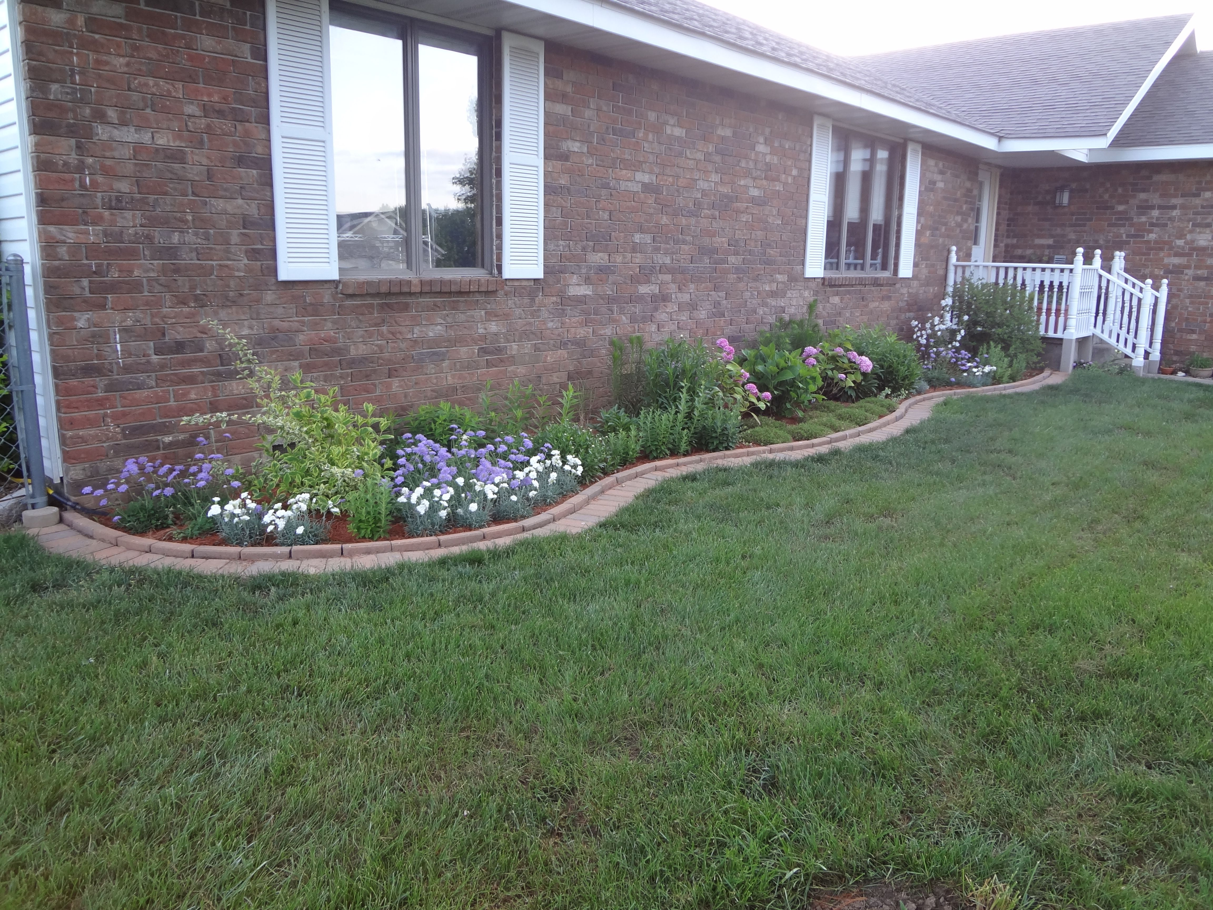 Foundation Border With Curved Brick Edging Filling In 400 x 300