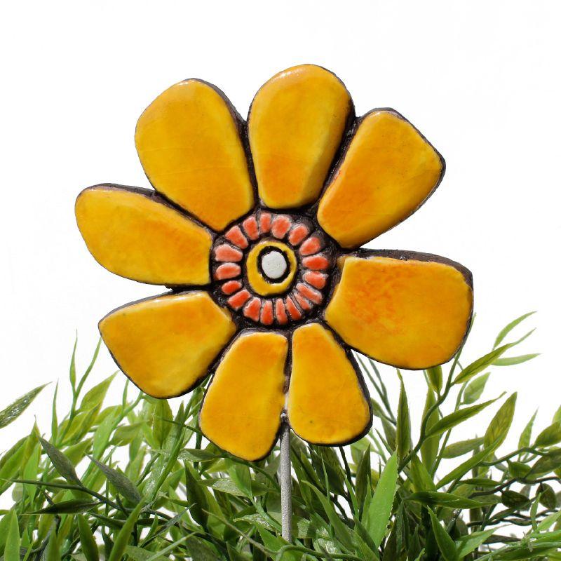 Ceramic flower garden art - buttercup | Ceramic flowers, Garden art ...