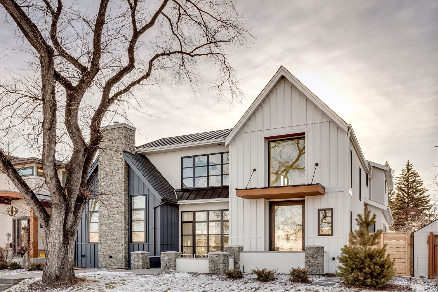 Roofing And Canopy Details Modern Farmhouse Style In 2020 Farmhouse Exterior Modern Farmhouse Exterior Modern Farmhouse