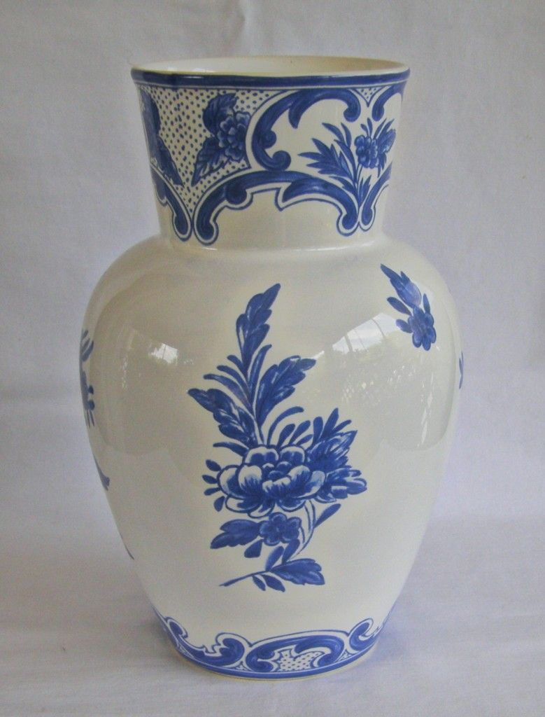 Tiffany company 1996 tiffany delft cobalt blue white vase made tiffany company 1996 tiffany delft cobalt blue white vase made in portugal reviewsmspy
