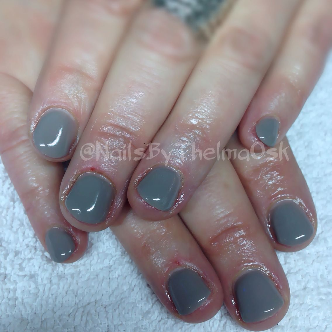 Putting grey hardgel manicure on a biter! Male them nails naturally ...