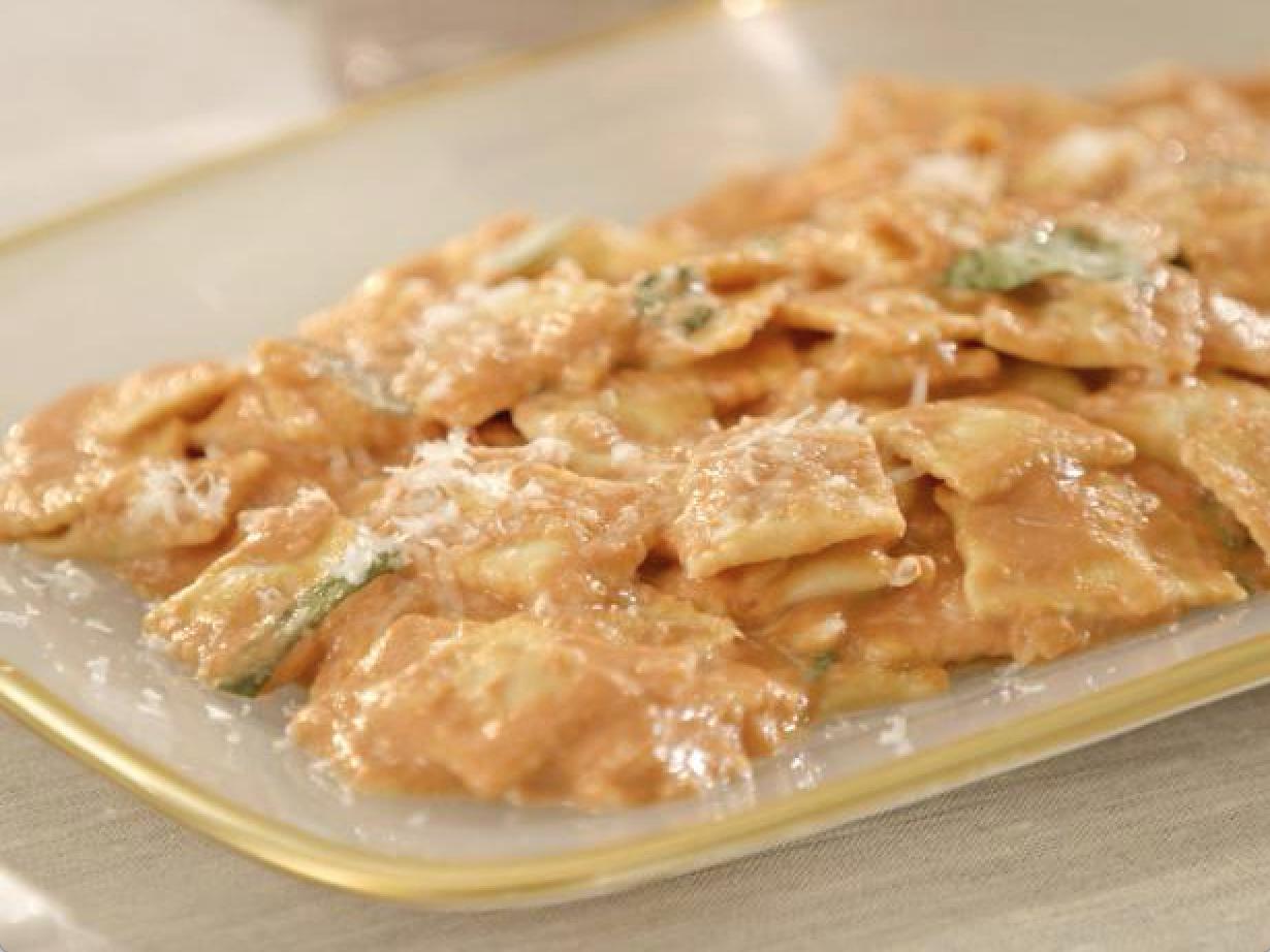 Capellini Al Forno Giada giada's cheese ravioletti in pink sauce   giada de