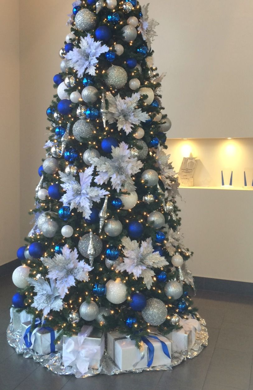 Blue Silver And White Decorated Christmas Tre Rental Commercial Christmas Deco Blue Christmas Tree Decorations Blue Christmas Tree Black Christmas Decorations