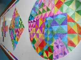 Trabalho de um aluno sobre Klee em suas formas e cores.