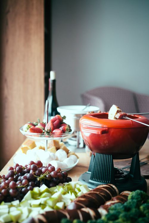 smoked gouda fondue + a fondue party | my name is yeh