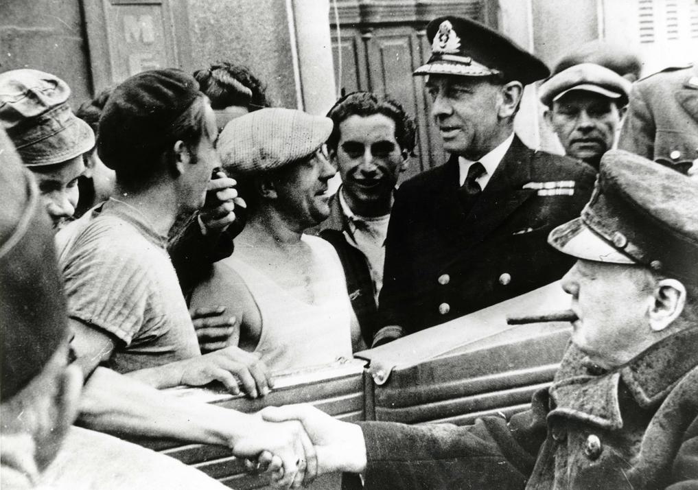 Le 24 Juillet 1944 Visite De Winston Churchill Premier Ministre Du Royaume Uni Cherbourg