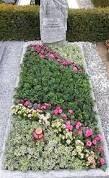 Bildergebnis für floristik grabgestaltung #allerheiligengrabschmuck
