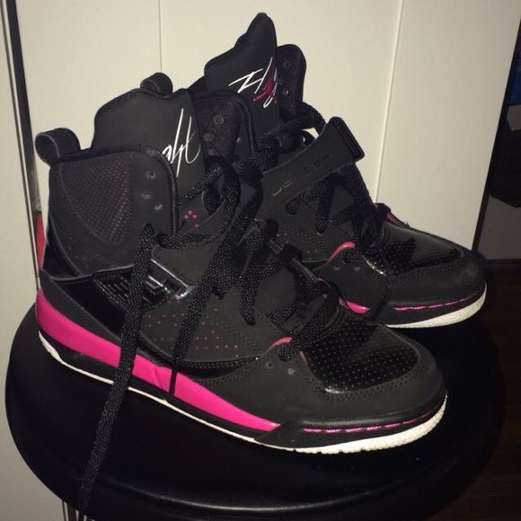 newest dec33 2e3a5 Girls Jordan Flight 45 High (GS) Black White They are in Great condition ! Only  used them a couple of times. Also comfortable to wear throughout the day ...