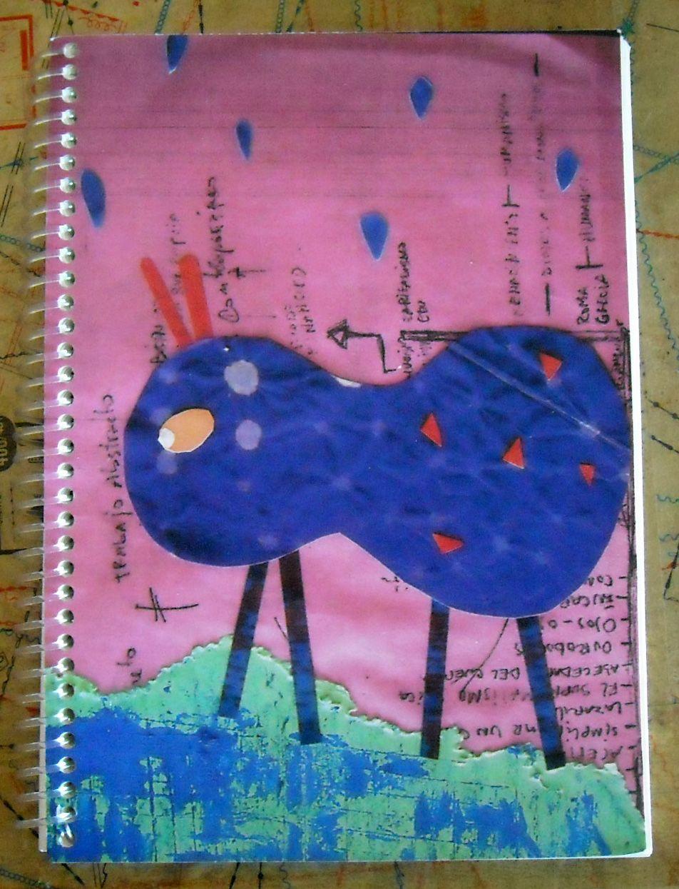 Cuaderno tamaño A4 80 hojas lisas color hueso