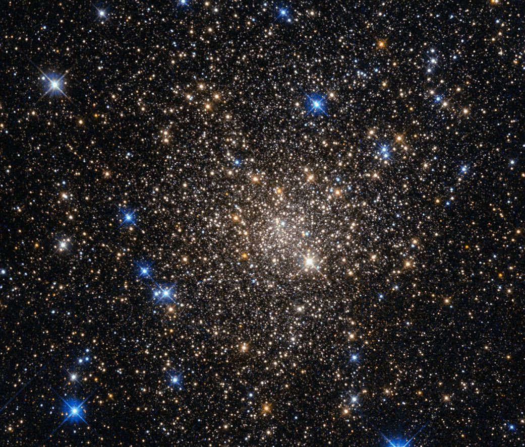 Hubble Sees The Force Awakening In A Newborn Star Space Telescope Hubble Space Telescope Star Cluster