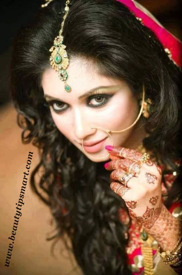 indian ladies hairstyles for long hair on engagement