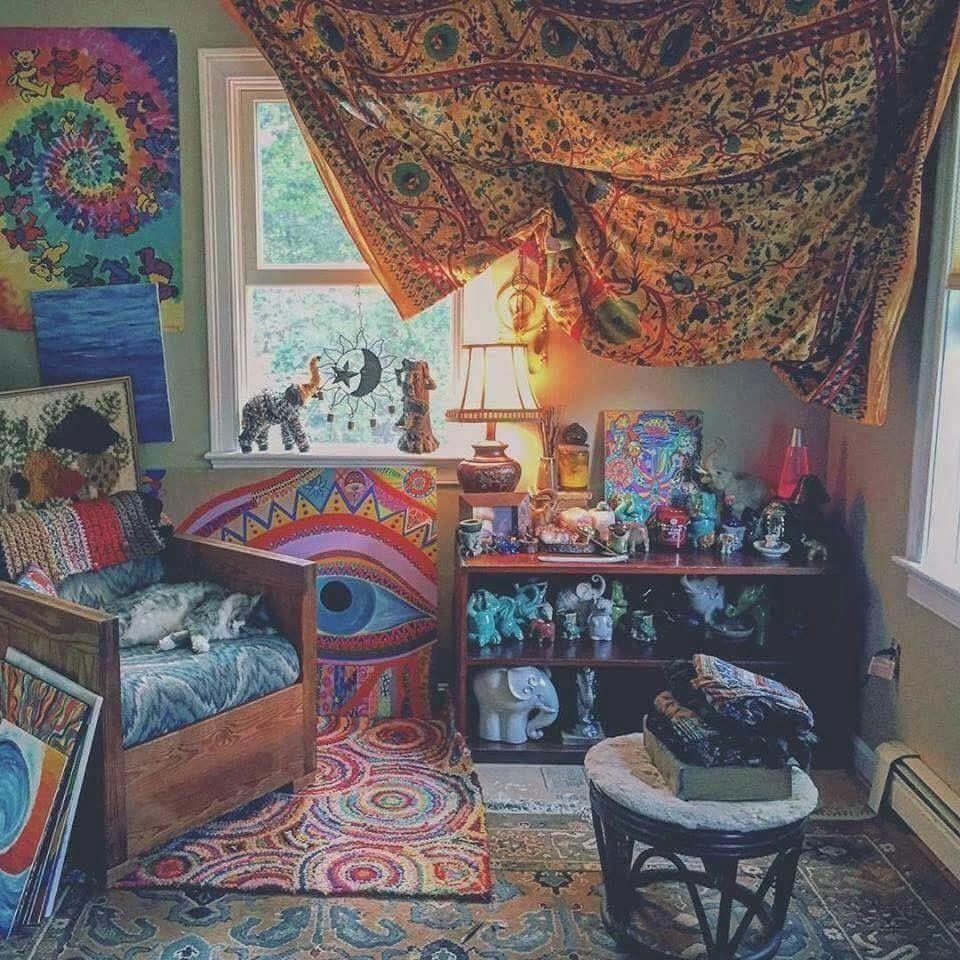 pin🌻🌻🌻 on room inspo  hippy room chill room hippie
