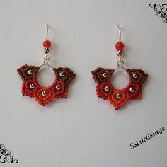 Boucles d'oreille en macramé avec perles en rhodié et perles en pierre