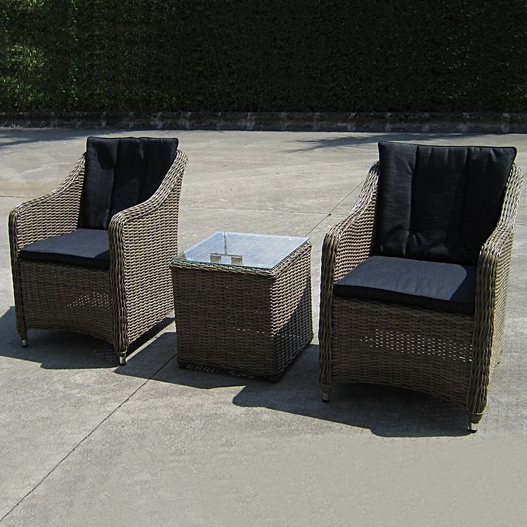 Relax in the open air with the Liverpool 3 Piece Poolside ...
