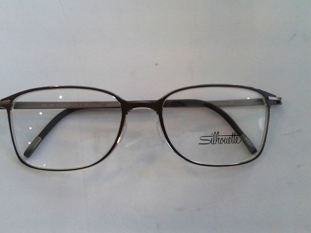 f8b36e0f81 Silhouette. Made in Austria Nova col-lecció SPX a Centre Optic Alpicat.  Material molt lleuger i flexible model 2881 54-19 6055 pvp. 250 €