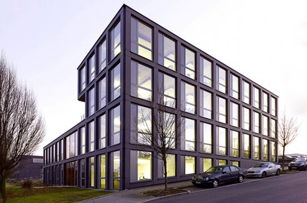 Communication Building Blue Office, an ingenious #Commercial Award entry by SSP SchürmannSpannel AG, photo © Jörg Hempel.