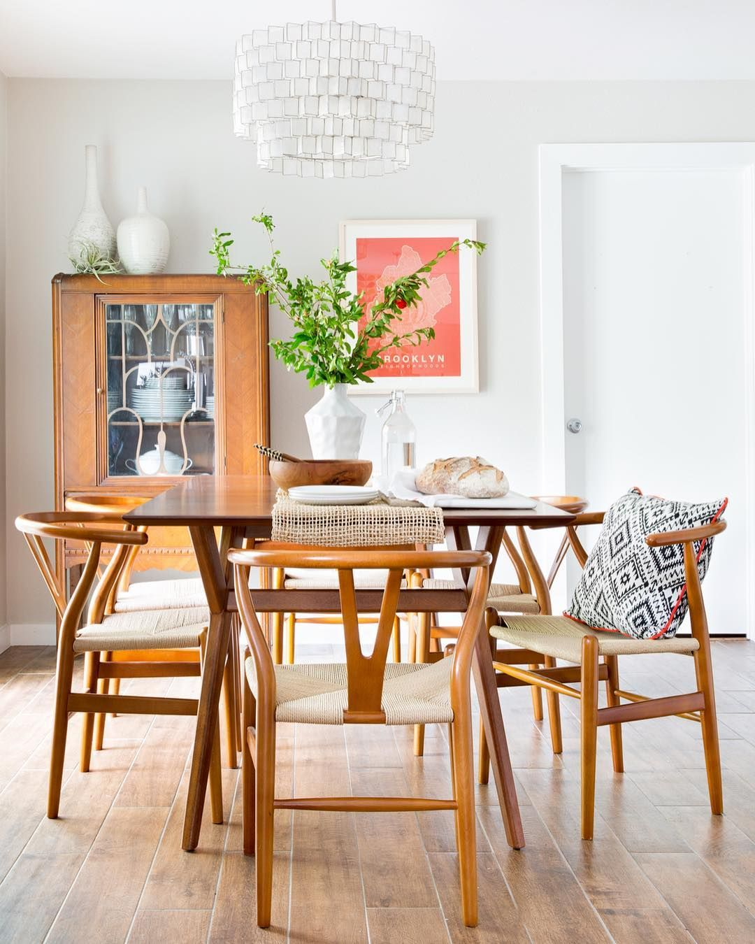 Mid Century Modern Dining Room Designs: LIKE HOW LIGHT & AIRY THIS IS