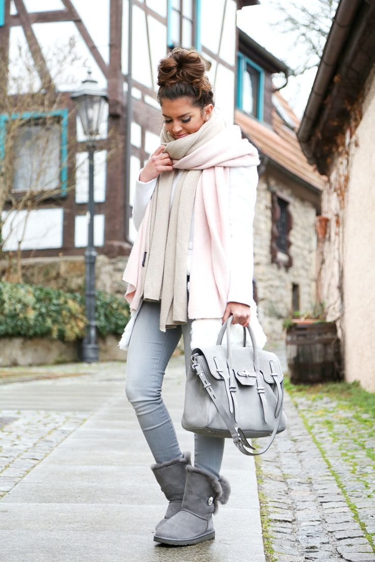 Ugg Mini Outfit