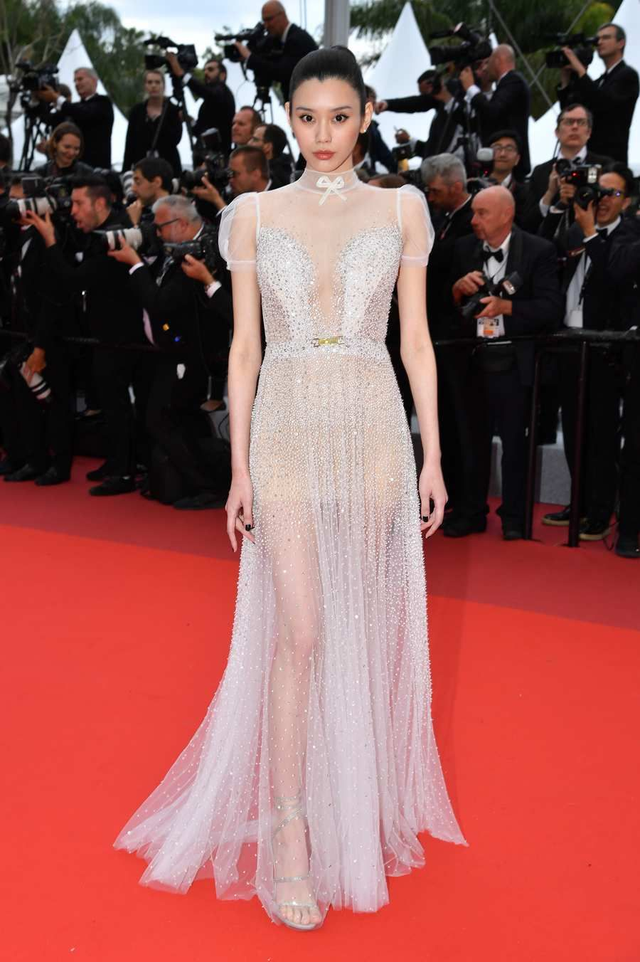 The Cannes Red Carpet Is Having A Very Good Year With Images Nice Dresses
