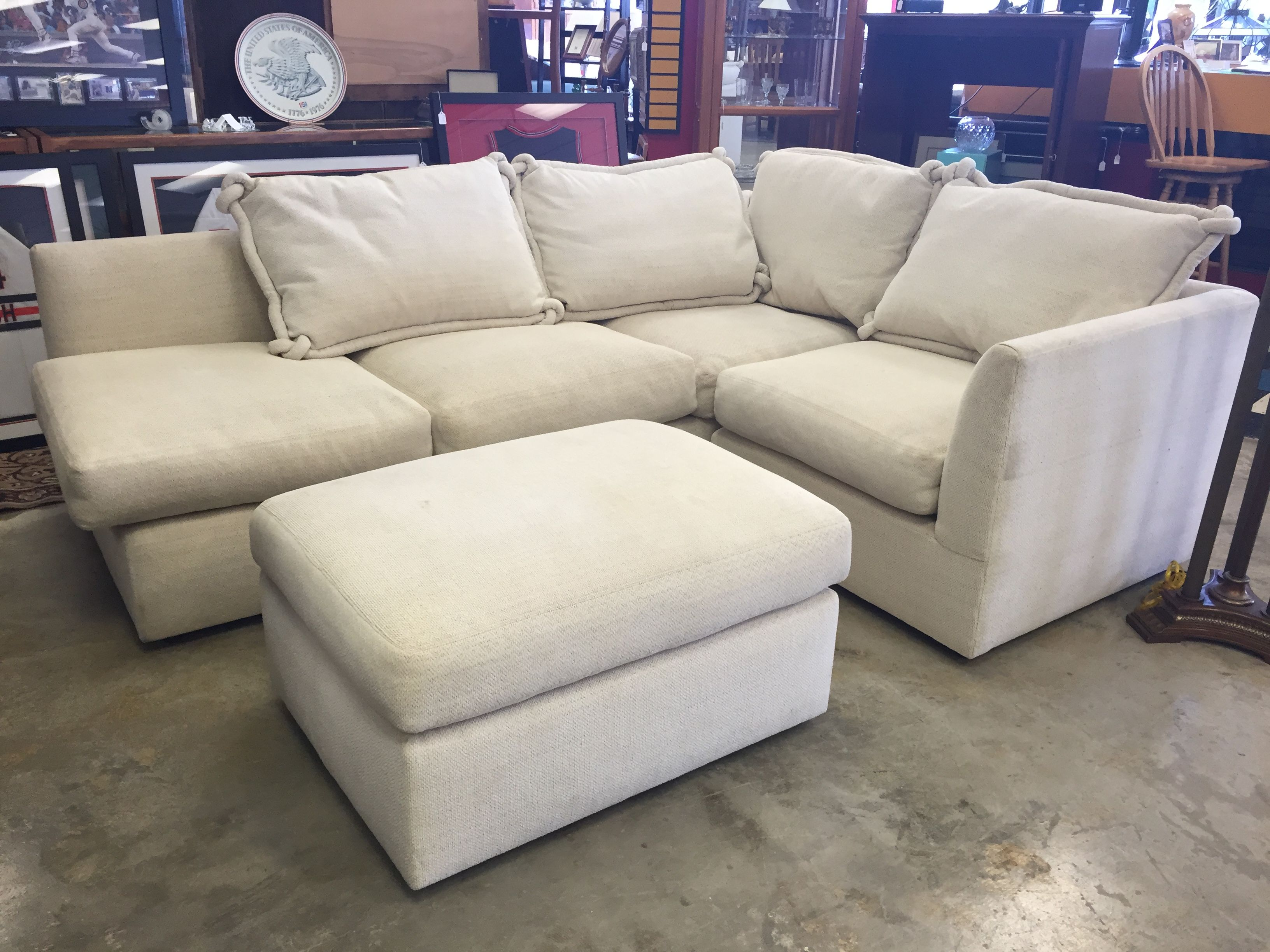Surprising Kreiss White Sectional And Ottoman 695 Couch Forsale Beatyapartments Chair Design Images Beatyapartmentscom