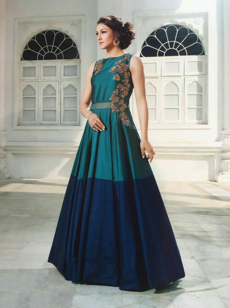 Pin by Namitha Gulecha on gowns , dresses , evening wear. to buy ...