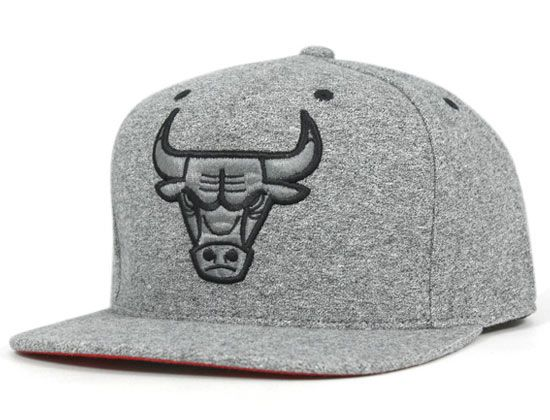 d046ee28764 Chicago Bulls Broad Street High Crown Fitted Cap by MITCHELL   NESS x NBA