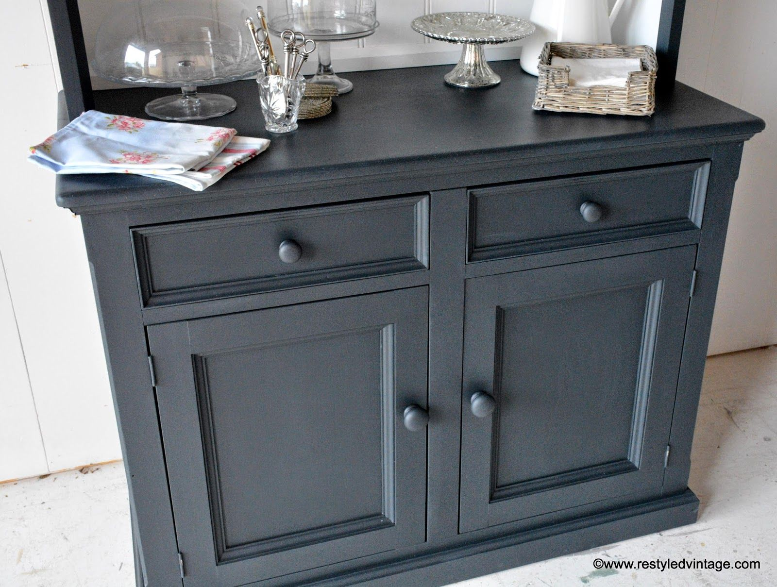annie sloan chalk paint in graphite home dec pinterest annie sloan chalk paint annie. Black Bedroom Furniture Sets. Home Design Ideas