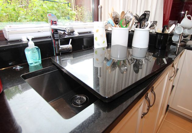 A sink cover is an accessory that provides additional worktop space if needed, or else works a treat to quickly throw over any dirty dishes underneath if you've forgotten about them and got guests coming round!