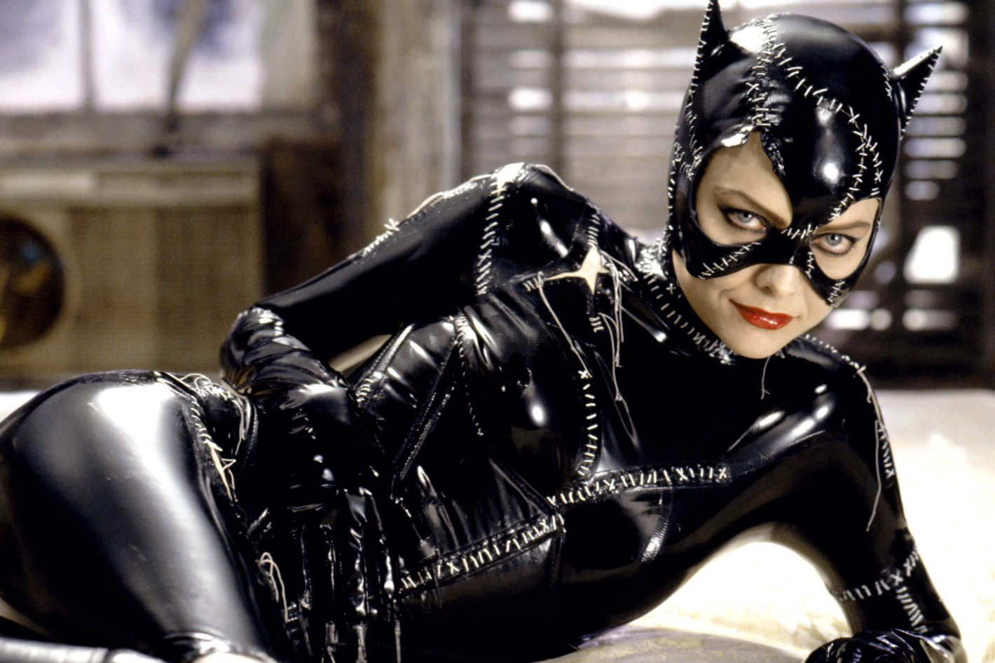 25 Years Later Michelle Pfeiffer S Catwoman Is Still The Best