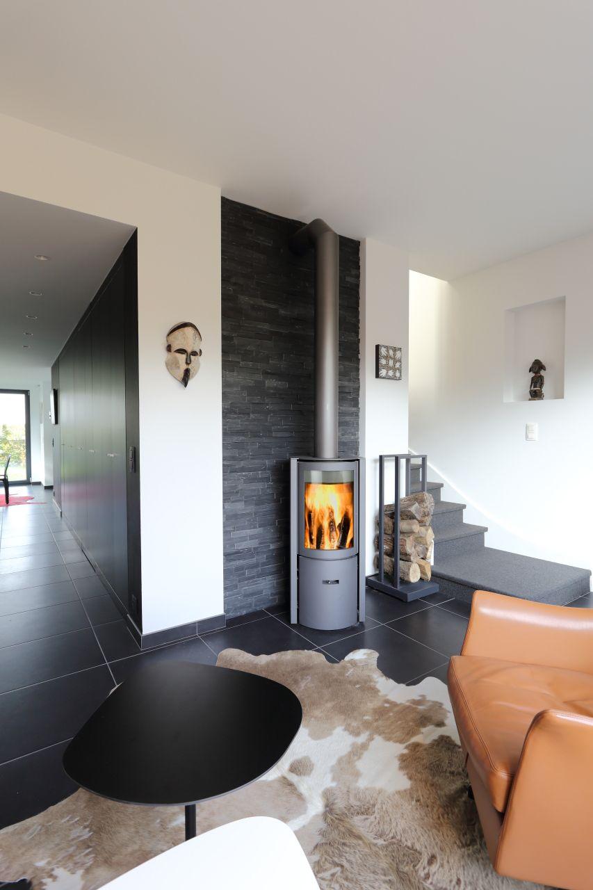 Stuv 30 Compact Bas Mur D Adossement En Pierre Naturelle Pose Seche Irreguliere Poele A Bois Interieur Maison Maison