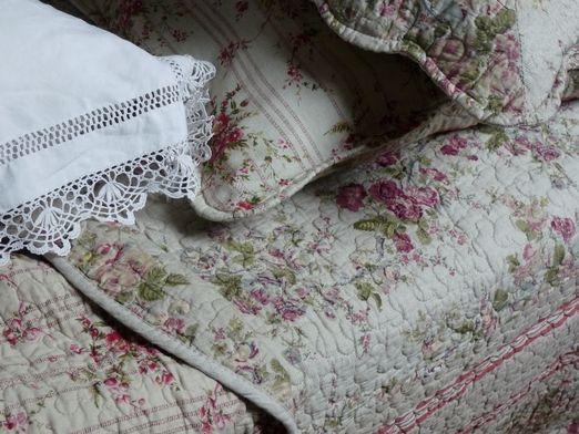 vue g n rale du couvre lit boutis mod le autrefois au jardin deco pinterest. Black Bedroom Furniture Sets. Home Design Ideas