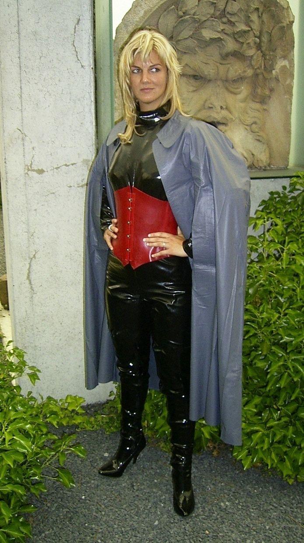 rubber and Klepper cape