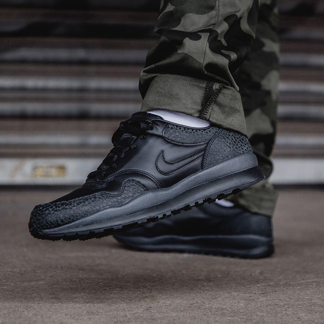 b59e2c76af4 Nike Air Safari Black   Anthracite Credit   43einhalb
