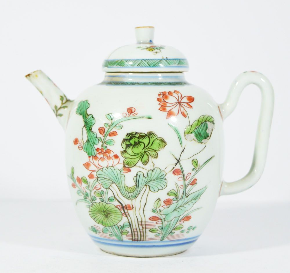 ANTIQUE KANGXI PORCELAIN FAMILLE VERTE TEAPOT AND COVER CHINESE