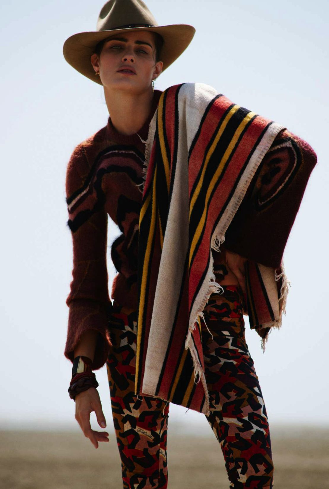www.pegasebuzz.com | Isabeli Fontana by Cédric Buchet for ELLE France, august 2015
