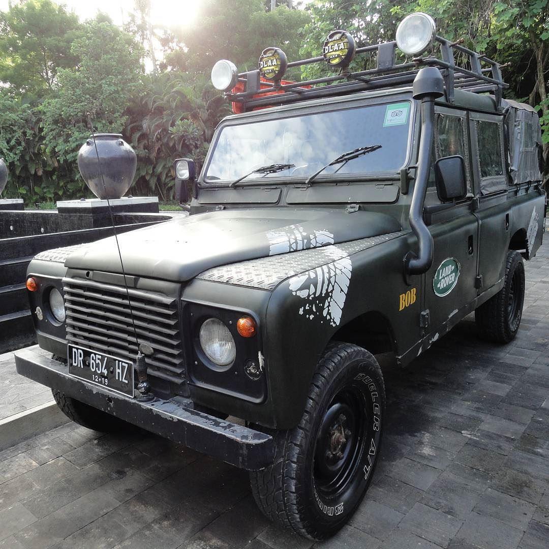 "2000 Land Rover Defender Double Cabin ""BOB"" #4x4 #noroadnoproblem #lombok #indonesia #landrover #landroverdefender #trip #latepost #jip by kusumaridwan 2000 Land Rover Defender Double Cabin ""BOB"" #4x4 #noroadnoproblem #lombok #indonesia #landrover #landroverdefender #trip #latepost #jip"