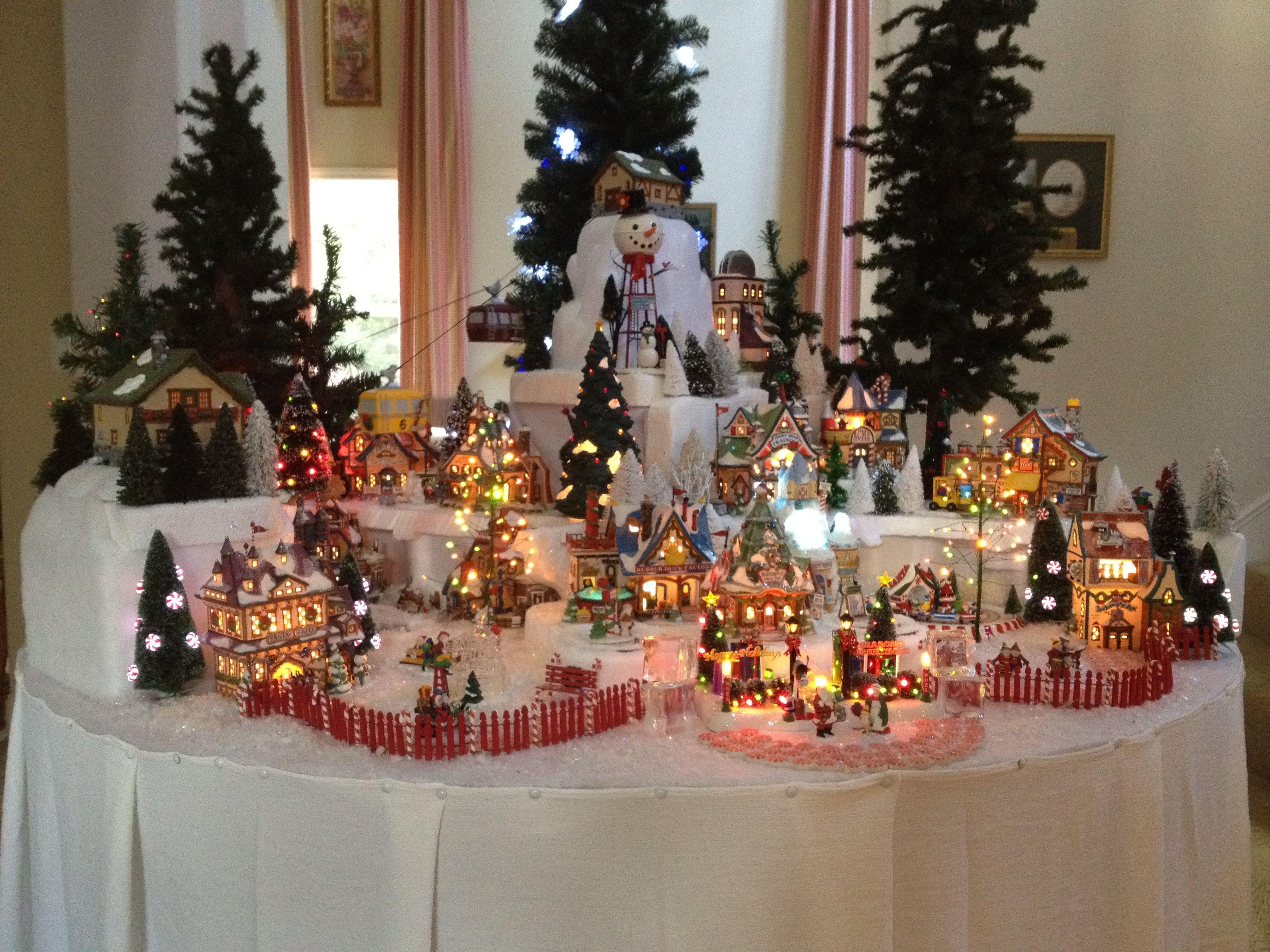 North pole village department 56 pinterest north pole christmas villages and department 56 - Decor village noel miniature ...