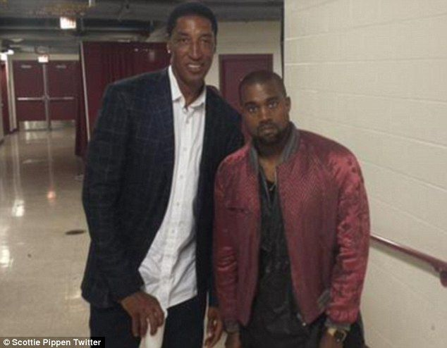 Kanye West Flashes Wide Smile And Then Scowls When He Spots Cameras Scottie Pippen Kanye West Kayne West