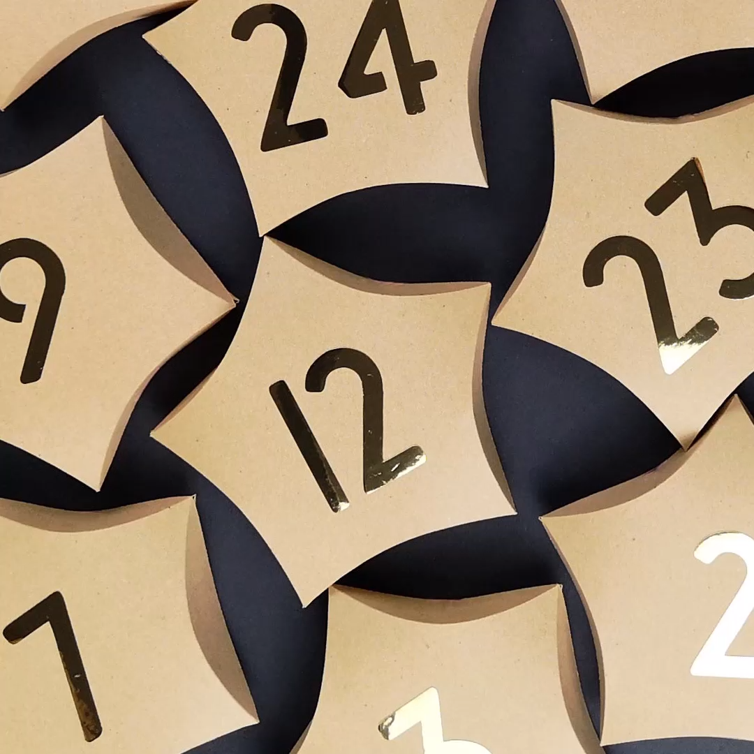 Photo of Advent calendars are made from star-shaped pillow boxes
