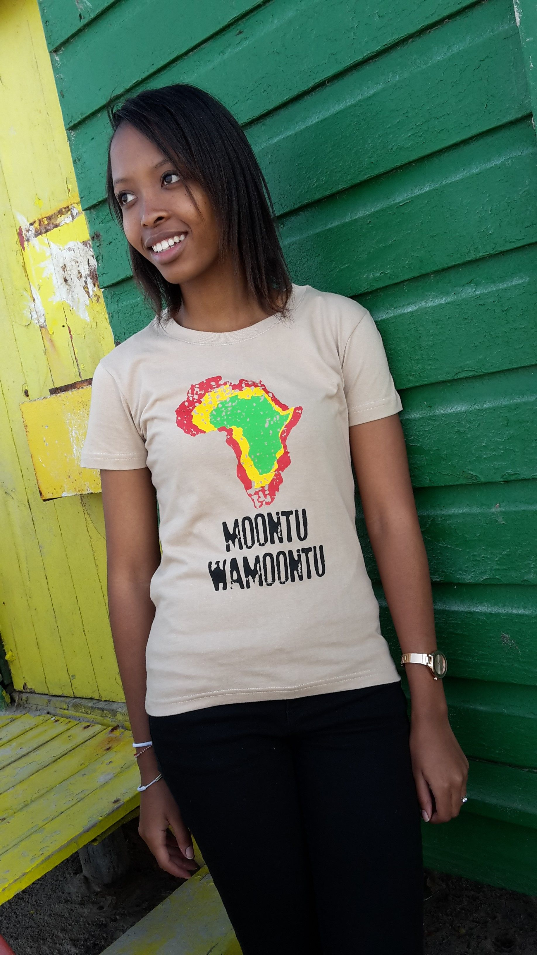 The Moontu WaMoontu Afrique (ladies) tee