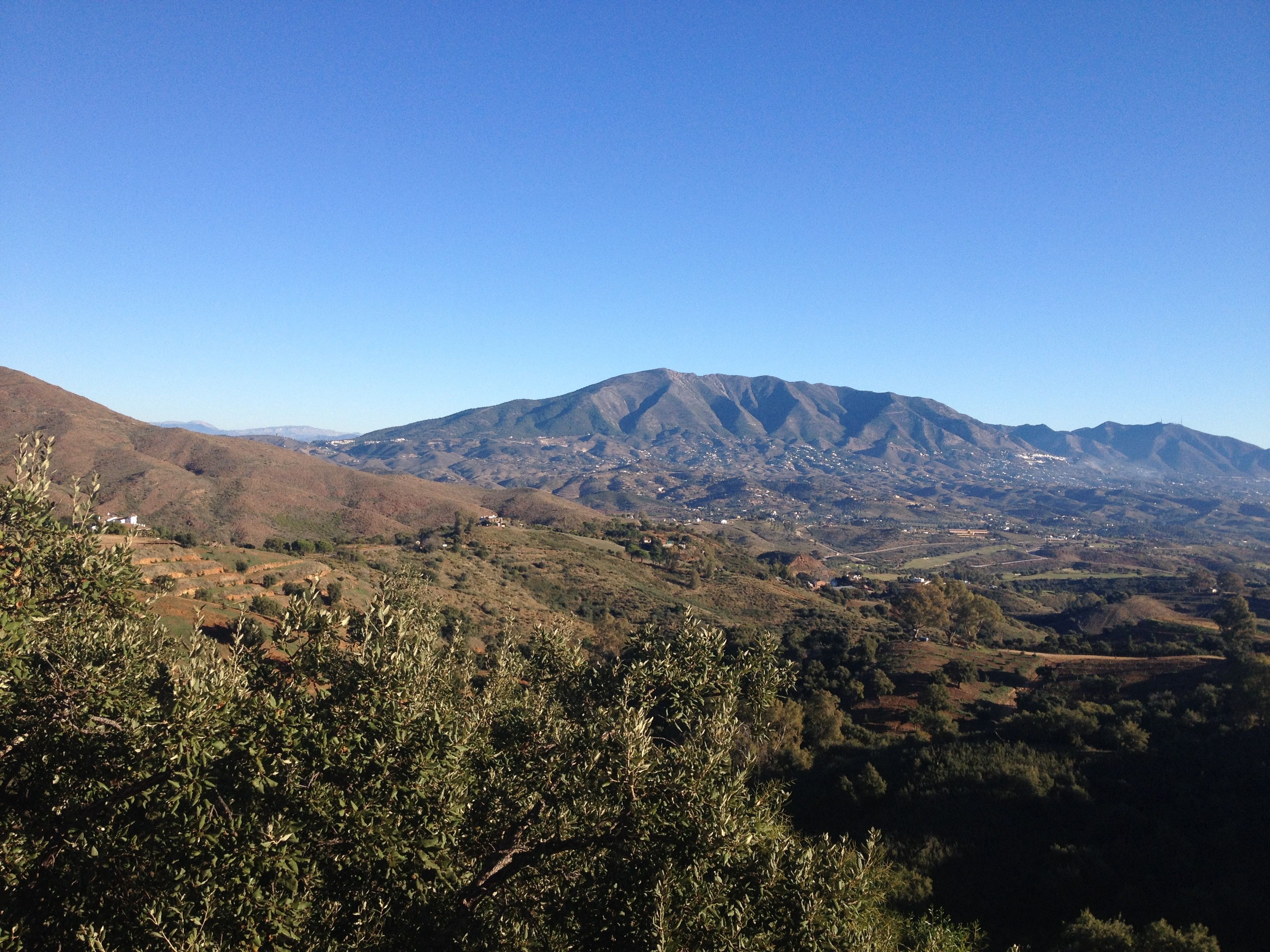 Blick Richtung Mijas Pueblo, Nord-Ost, Rückseite La Mairena - Malaga - Andalusien - Spanien (20171201_10:30)