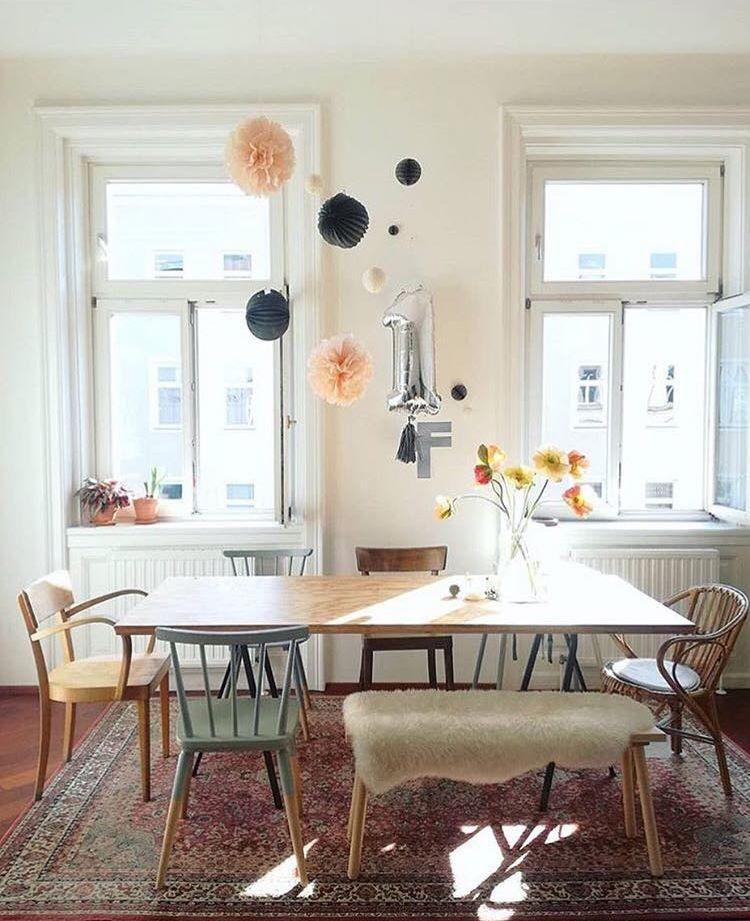Tisch Mit Verschiedenen Stuhlen 3 3 3 By Solebich In 2020