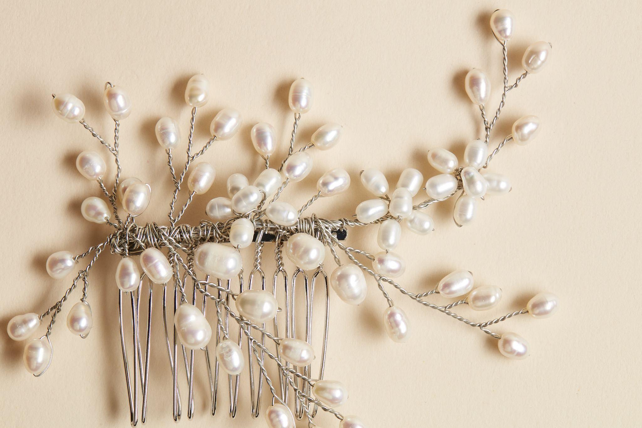 bridal pearl hair comb Wedding hair accessories bridal hair