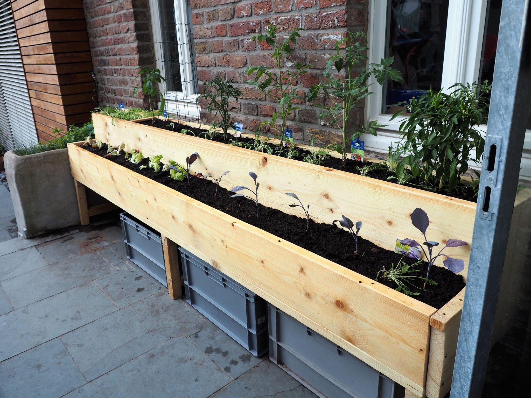Ein Hochbeet Mit Zwei Pflanz Ebenen Perfekt Fur Kleine Garten
