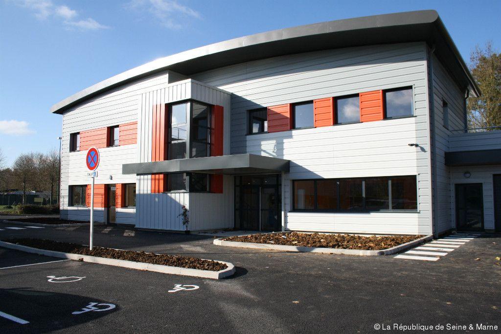 Un nouveau bâtiment pour lu0027Établissement et service du0027aide par le - Aide Pour Faire Des Travaux Dans Une Maison