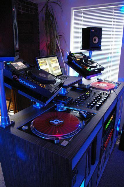 pin by kriss on dj setups in 2019 dj equipment dj sound dj booth. Black Bedroom Furniture Sets. Home Design Ideas