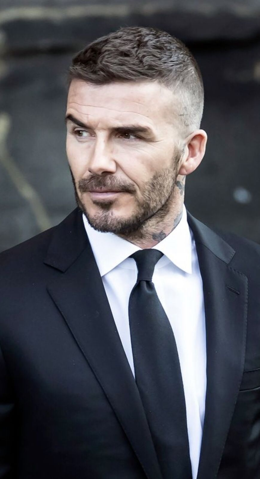 Pin By Waltermann On David Beckham Mens Messy Hairstyles Beckham Haircut David Beckham Haircut